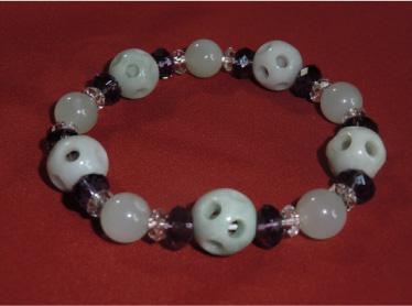 画像1: 通々路翡翠とムーンストーン・ボタン水晶のブレスレット